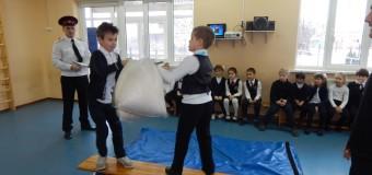 Казачьи спортивные забавы прошли в 1 «Г» казачьем классе хутора Ленина