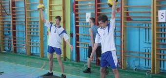 Клуб «Есаул» хутора Ленина на Чемпионате Карасунского округа по гиревому спорту среди допризывной молодежи занял 2 место.